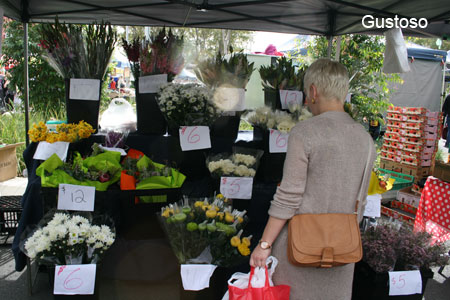 qut carseldine markets flowers